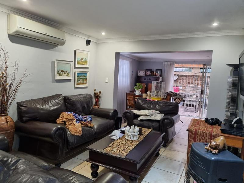 Property For Sale in Goodwood Park, Goodwood 3