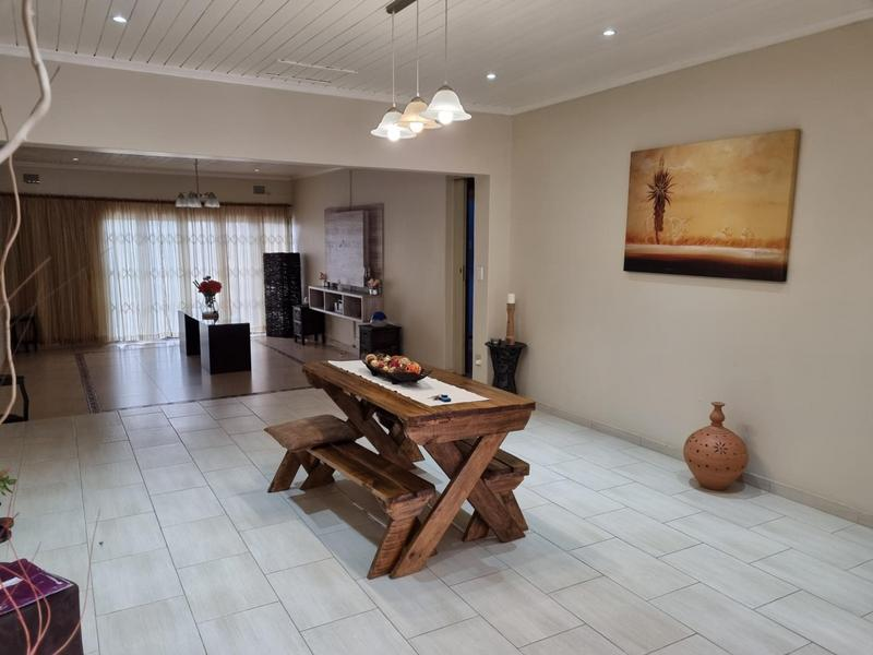 Property For Sale in Richmond Estate, Goodwood 17