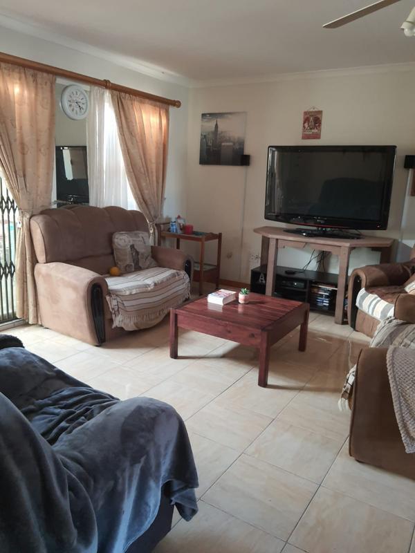 Property For Sale in Churchill Estate, Parow 9