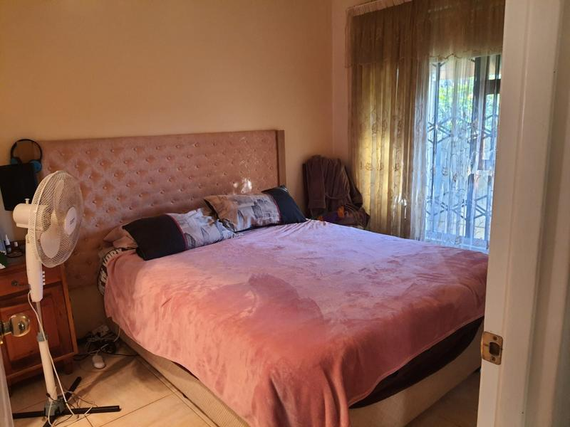 Property For Sale in Churchill Estate, Parow 19