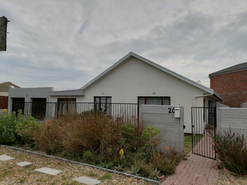 Property For Sale in Monte Vista, Goodwood 2