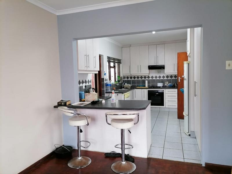 Property For Sale in Monte Vista, Goodwood 6