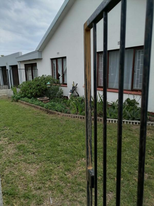 Property For Sale in Monte Vista, Goodwood 37