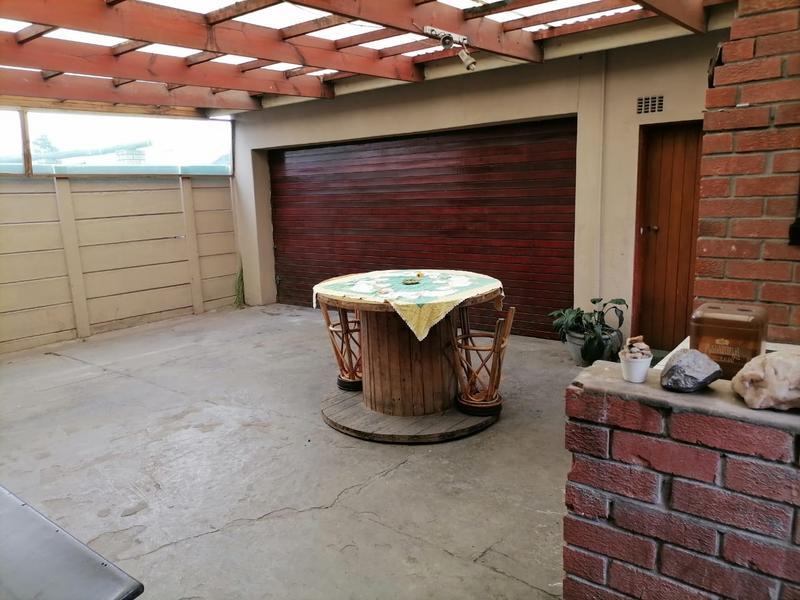 Property For Sale in Vasco Estate, Goodwood 18