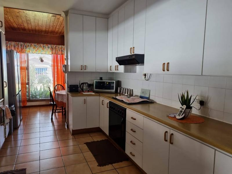 Property For Sale in Goodwood Park, Goodwood 4