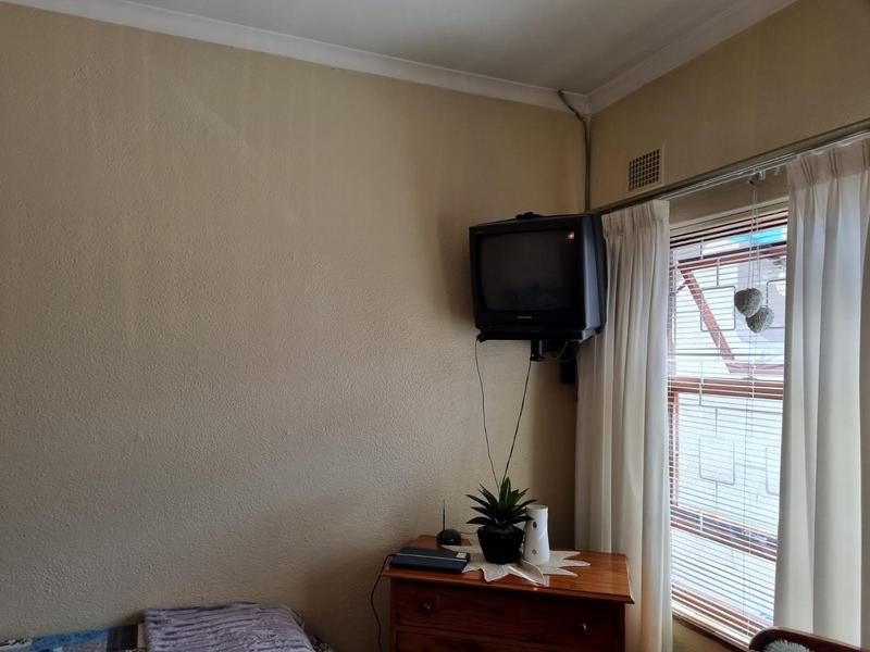 Property For Sale in Goodwood Park, Goodwood 9