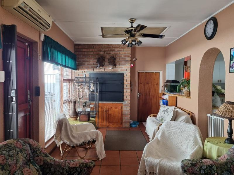 Property For Sale in Goodwood Park, Goodwood 10