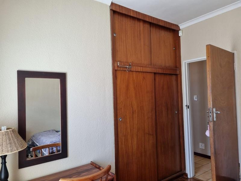 Property For Sale in Goodwood Park, Goodwood 14