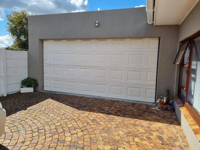 Property For Sale in Goodwood Park, Goodwood 28