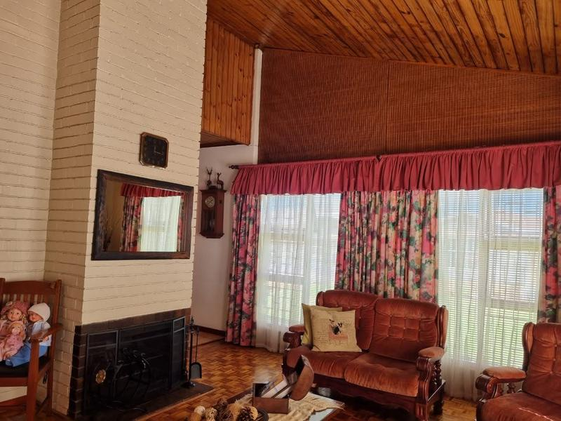 House For Sale in Goodwood Park, Goodwood